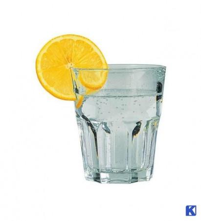 Drikke og stable glass